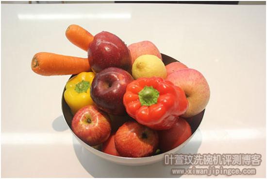 清洗后的水果