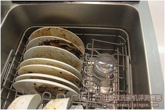 把放过牛奶的杯子也放进洗碗机里