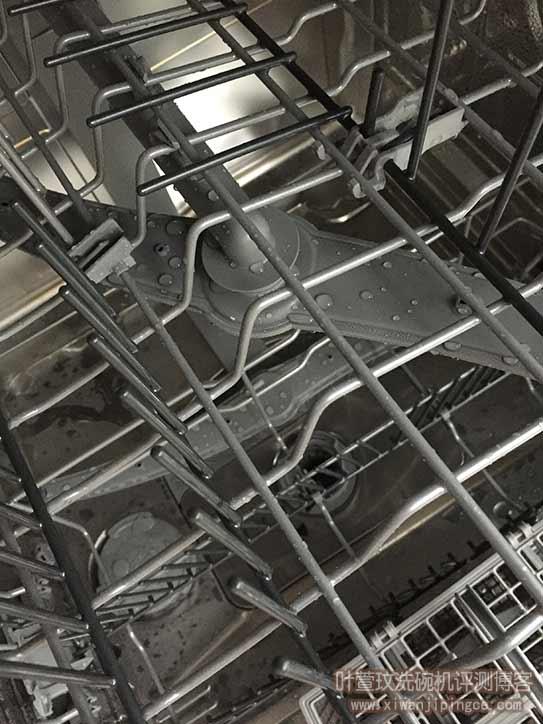 清洗后洗碗机内部情况